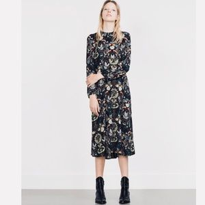 Zara // Navy Floral Long Sleeve Midi Dress